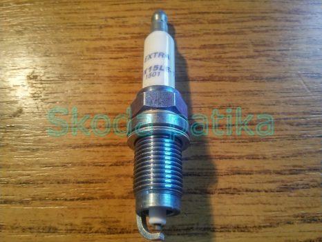 Skoda Fabia 1,2 6 v és 12v-s (1.416v BUD, BXW motorkódhoz-is) gyújtógyertya DOX 15 LE