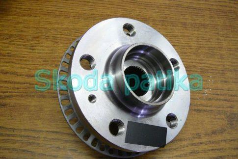 Skoda Octavia első kerékagy (menesztőtárcsa) abs rotorral