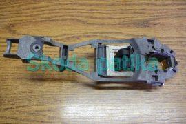 Skoda Fabia Octavia 1-2 bal külső kilincs kengyel