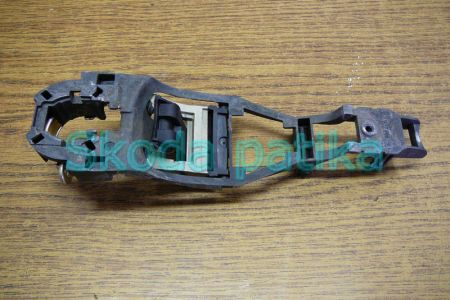 Skoda Fabia Octavia 1-2 ajtó jobb külső kilincs kengyel