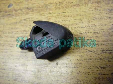 Skoda Fabia Octavia szélvédő mosó fúvóka (spricni)