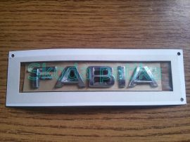 Skoda Fabia II. felirat csomagtér  fedélre