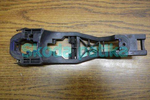 Skoda Fabia Octavia 1-2 és Superb jobb külső kilincs kengyel